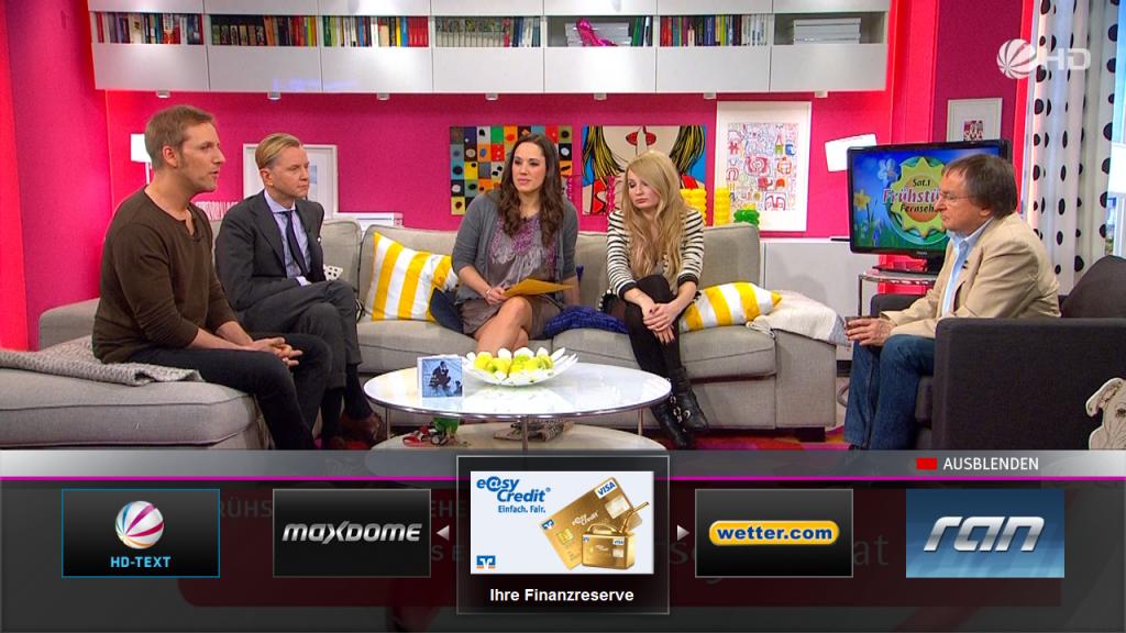 Menu startowe aplikacji HbbTV wyświetlanej na kanale Sat 1 HD. Aplikacja ta posiada interaktywną reklamę Easy Credit w HbbTV.