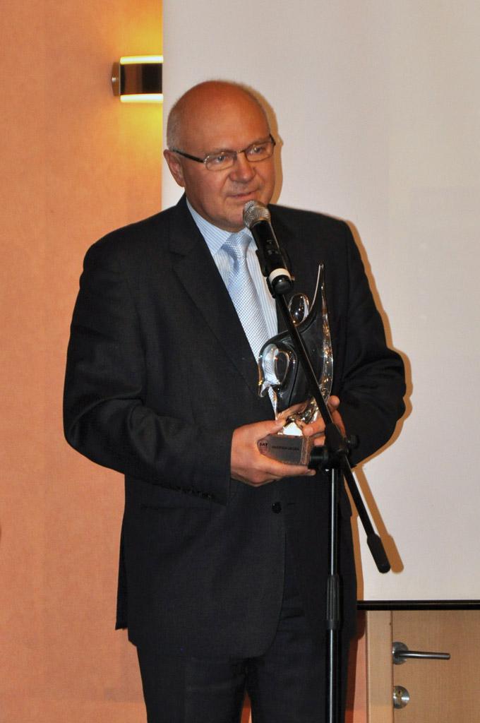 Marian Zalewski z nagrodą SAT Kurier Awards 2012 dla TVP za HbbTV