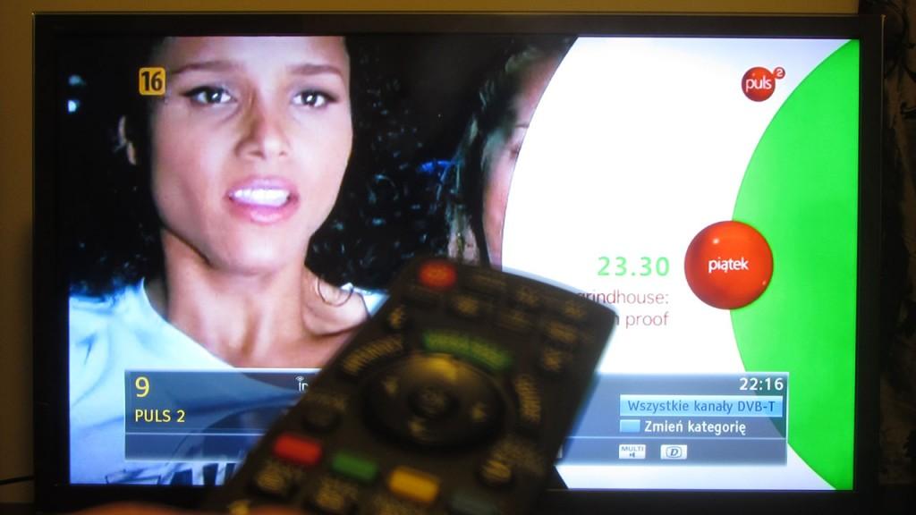 Testy telewizji hybrydowej HbbTV na kanale PULS 2 w naziemnej telewizji cyfrowej DVB-T w Polsce.